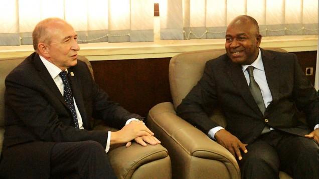 le ministre franais de lintrieur grald collomb et son homologue ivoirien sidiki diakit