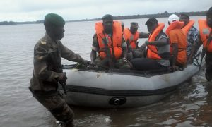 Armées+gendarmerie+police+militaire+douanes+Tabou+patrouille+fluviale+Côte+divoire+Libéria-Touba