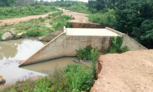 Les populations de Fengolo, Kokoun et Séguélon, villages du département de Madinani, ont plaidé pour la réhabilitation urgente des ponts effondrés