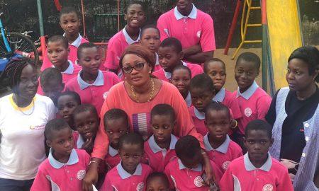 Le ministre des Affaires Etrangères, Marcel Amon-Tanoh a apporté mercredi son soutien à 24 pensionnaires de l'orphelinat « La Maison du Potier » de Yopougon