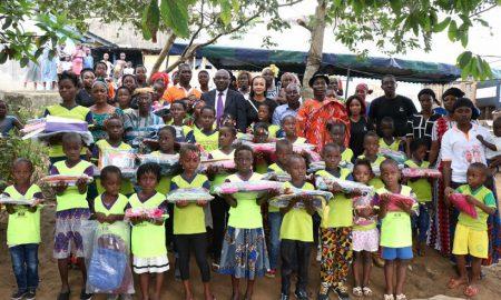 Fondation Voodoo - Fabrice Sawegnon - kits scolaires - Abidjan