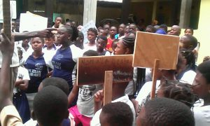 Yopougon - Adjamé - 4è pont - rentrée - grève - manifestation - école
