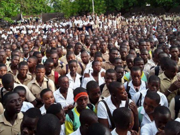 lycée - Bouna - manifestation - resultats - examens - collège - école - enfants
