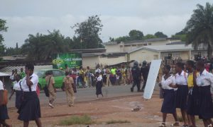 Agboville - école - manifestation