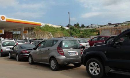 Une « légère» pénurie de carburant a été observée, dans les stations services à Abidjan, liée à la grève des transporteurs d'hydrocarbures.