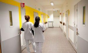 insolite-Paris-hôpital - selles