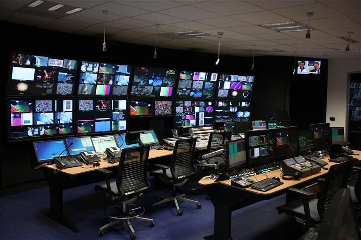 médias-presse-FIRST-radios-tv