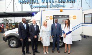 ambulance-UNFPA-Bingerville-mère-enfant-hopital-santé