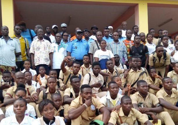 police-sikensi-éducation-élèves-secondaire