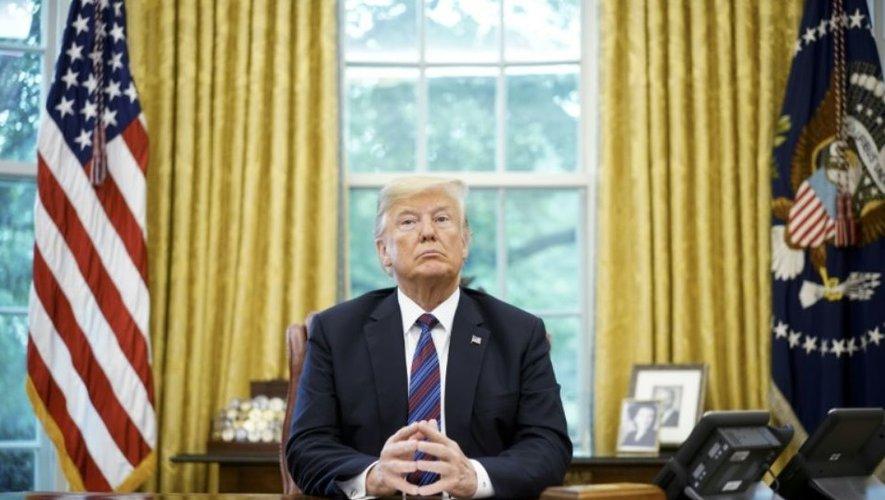 donald-trump-obèse-maison-blache-USA-white-house-president-milliardaire-insolite-politique-économie-éducation-société