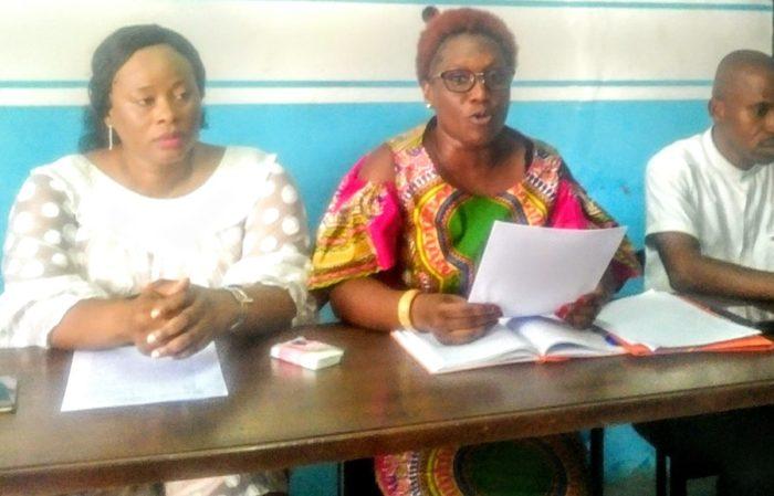Mme Pulchérie Gbalet, présidente du FORSCI, fait le constat que « toutes les consultations se font à l'insu de tous, car le mode opératoire n'est pas défini et su de tous (…) »