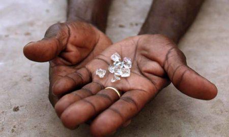 production-diamant-du-sang-mine-exploitation-industrie-economie