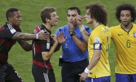 marco-antonio-rodriguez-lors-de-la-demi-finale-de-la-coupe-du-monde-2014-entre-le-bresil-et-l-allemagne_261620-insolite-football-muller-boateng