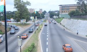 cocody-routes-transports-Bretelle-boulevard-Latrille-0002