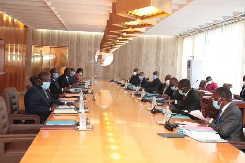 Gouvernement-conseil des ministres