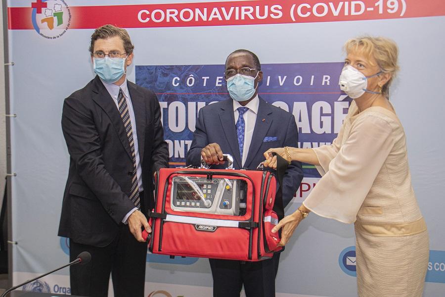 Nestlé Côte d'Ivoire fait un don au ministère de la Santé et de l'hygiène publique