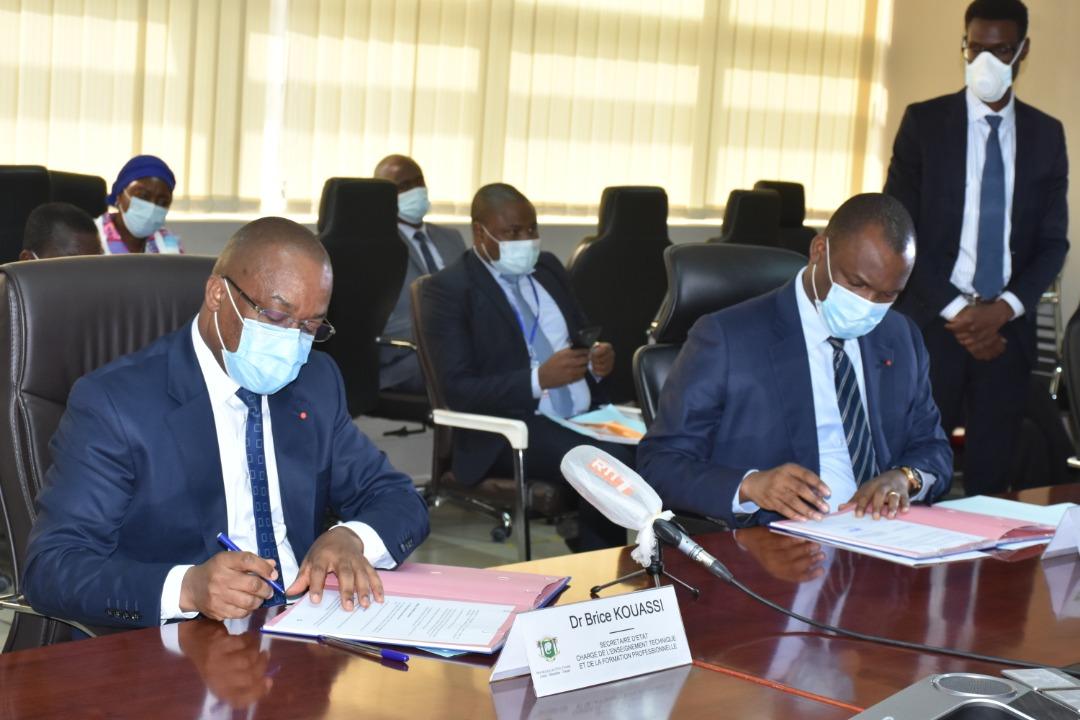 Accords entre deux ministères ivoiriens pour accélérer l'emploi des jeunes
