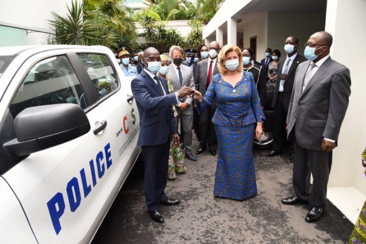 La police ivoirienne équipée en matériel pour la répression contre l'exploitation des enfants