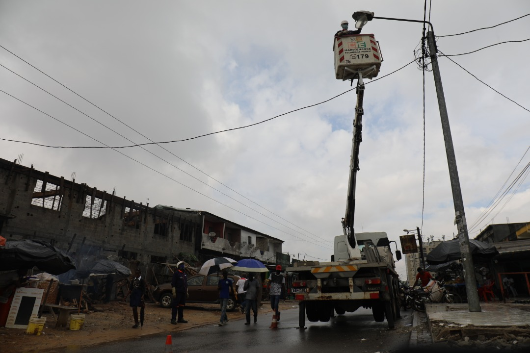des risques de perturbation de la fourniture d'eau et d'électricité à Abidjan
