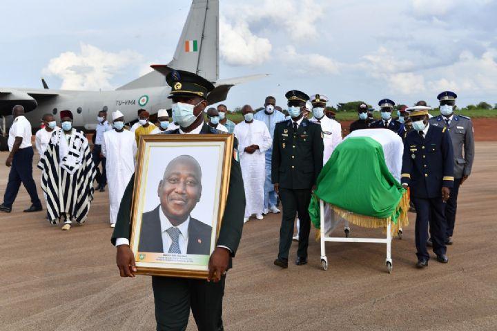 L'ultime hommage des peuples de Côte d'Ivoire à Gon Coulibaly avant son inhumation