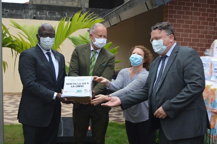 des kits sanitaires de l'Allemagne à la Commission nationale des frontières de Côte d'Ivoire