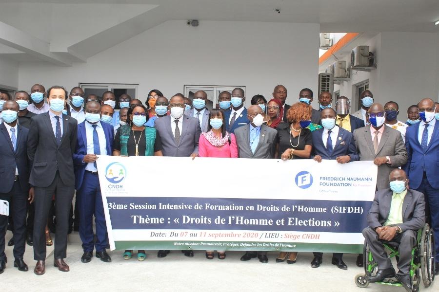Formation des partis politiques ivoiriens à Abidjan sur la culture électorale sans violence