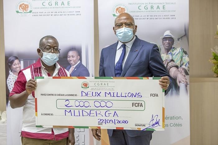 L'IPS-CGRAE apporte une subvention à cinq associations des retraités de Côte d'Ivoire