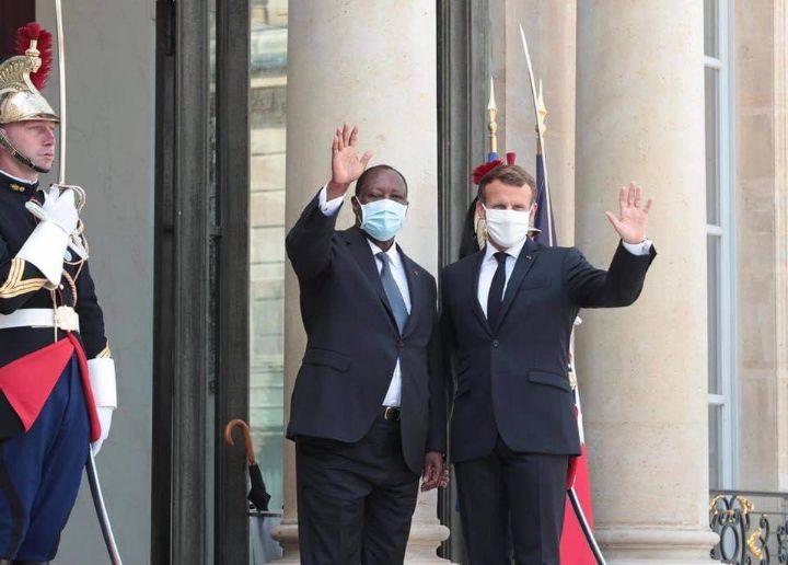 Ouattara et Macron notent la nécessité de maintenir la « stabilité » en Côte d'Ivoire après un tête-à-tête à l'Élysée
