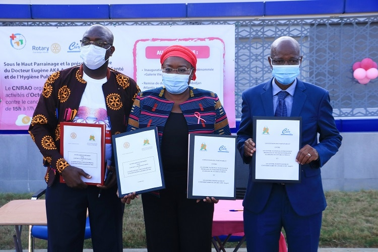 Lutte contre le cancer du sein en Côte d'Ivoire le CNRAO lance ses activités d Octobre rose