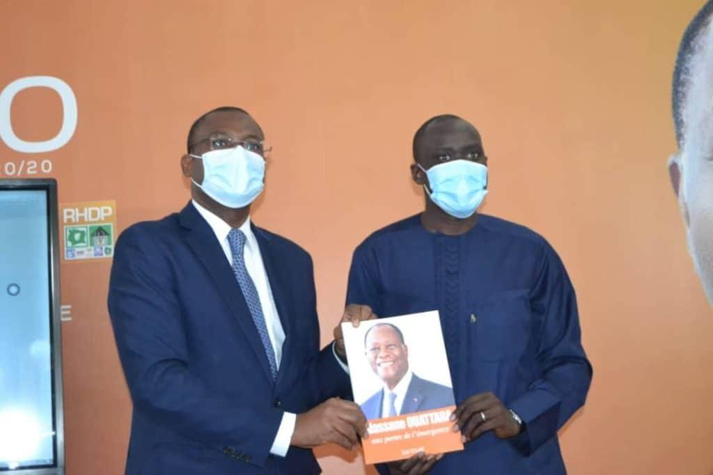Sidi Touré, ministre de la Communication, sort un livre intitulé Alassane Ouattara, aux portes de l'émergence