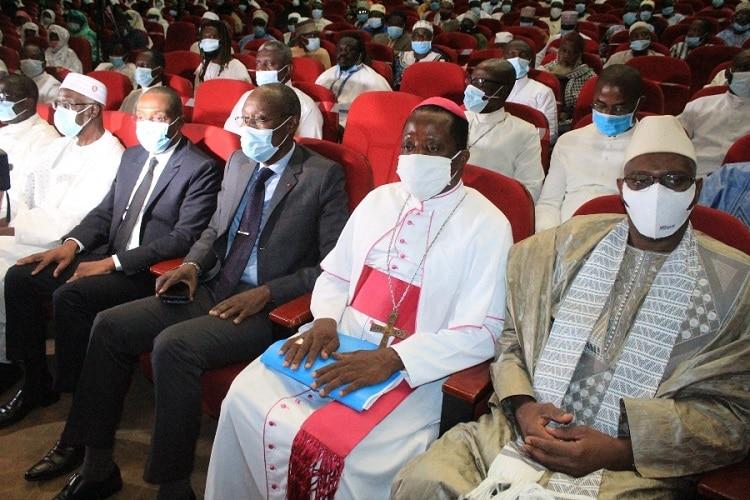 les guides religieux musulmans et chrétiens prient pour une présidentielle apaisée