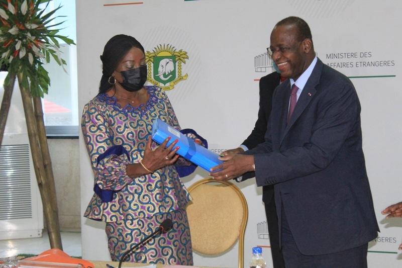 Kandia Camara, 1ère femme cheffe de la diplomatie ivoirienne, sereine et confiante