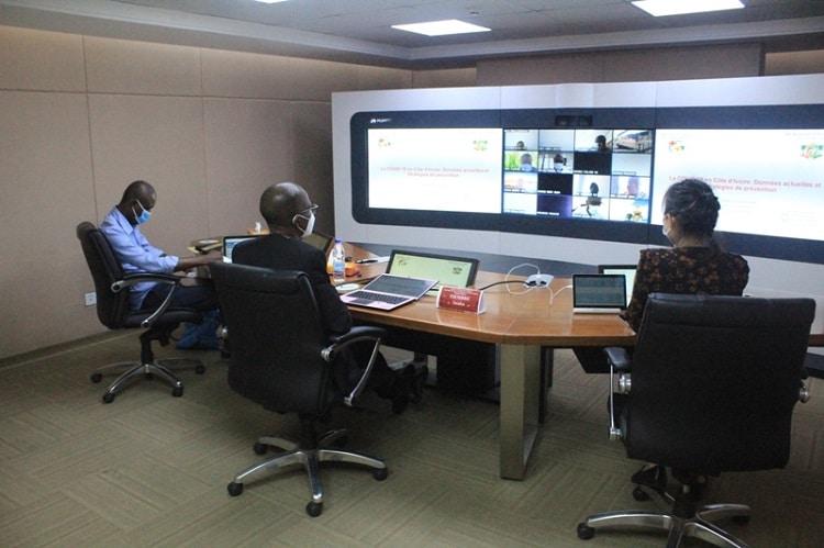 Plus de 200 employés de Huawei instruits sur la Covid-19 depuis Abidjan