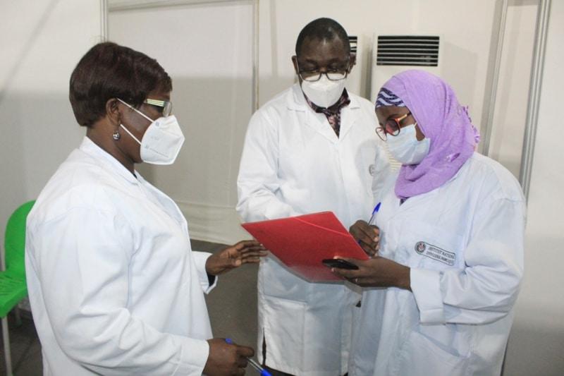 Aéroport d'Abidjan le coût du test Covid-19 PCR passe de 50 000 à 25 000