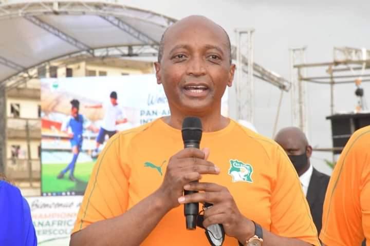Motsepe annonce 5 milliards FCFA pour le championnat interscolaire