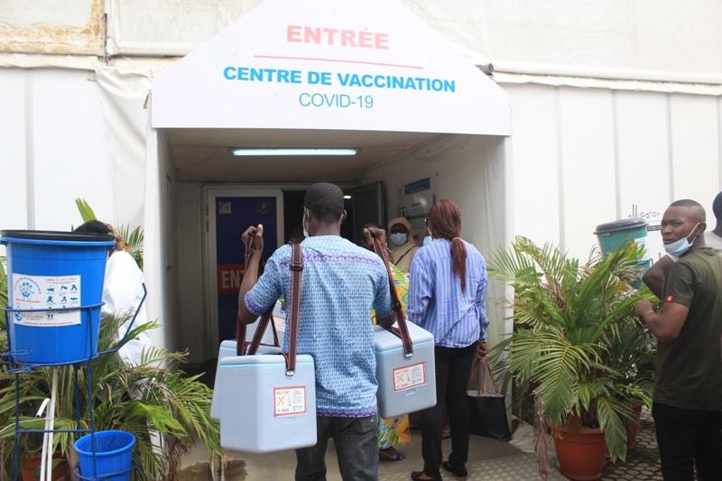 Covid-19 lancement à Abidjan du vaccin Pfizer