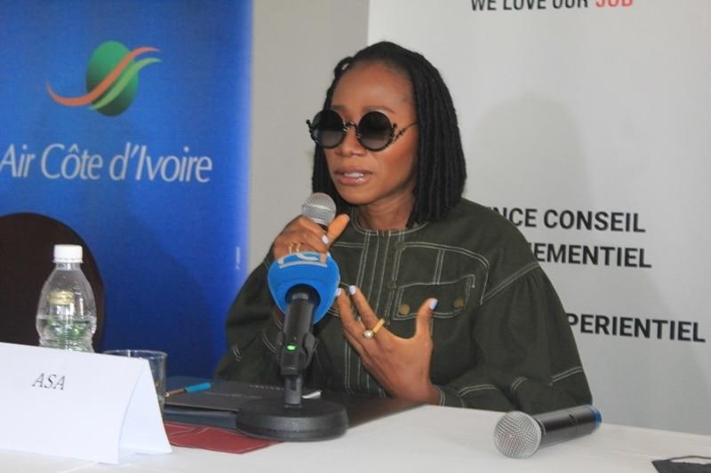 L'artiste Nigériane Asa en concert live à Abidjan
