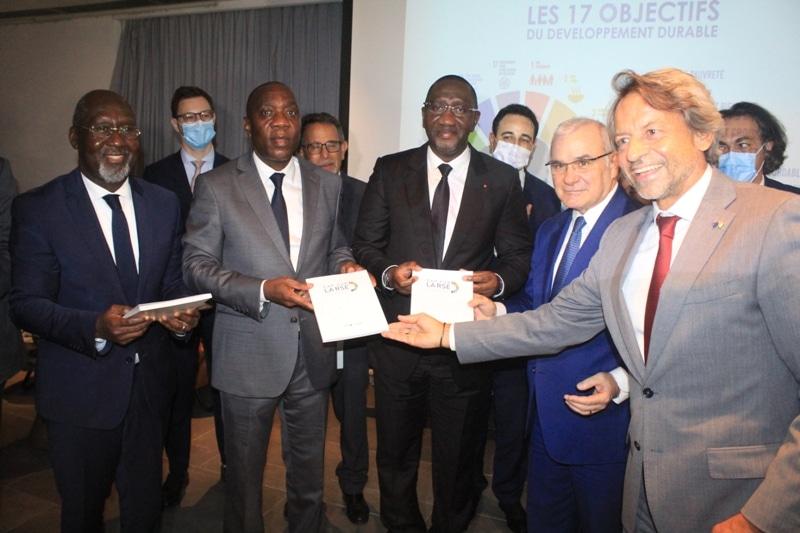 Le secteur privé ivoirien présente un recueil RSE au gouvernement