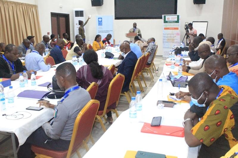 Fake news adoption d'une Charte par les médias numériques ivoiriens